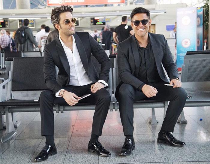 بنیامین بهادری و محمدرضا گلزار در فیلم سلام بمبئی