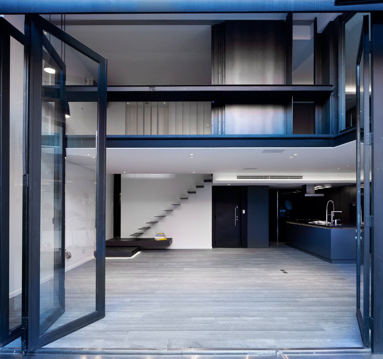 دکوراسیون متفاوت آپارتمان بازسازی شده