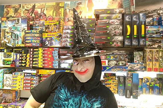 حال و هوای هالووینی تهران با لوازم و آرایش های ترسناک
