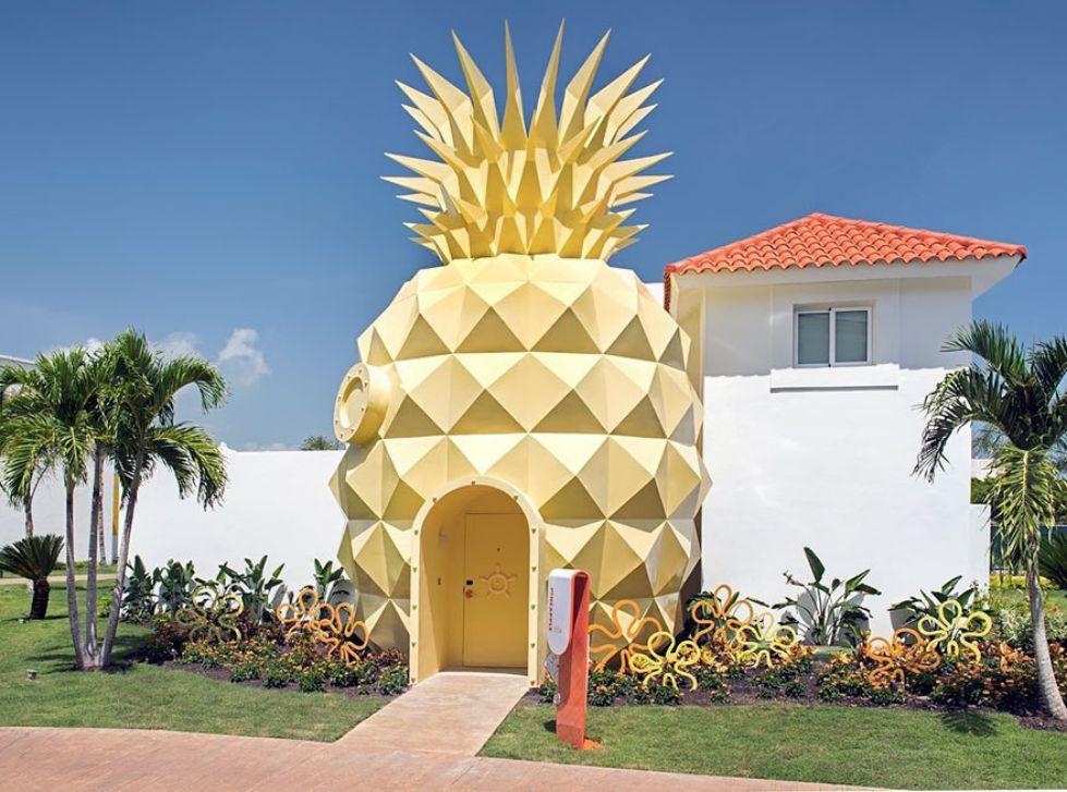 ویلای زیبا به شکل خانه آناناسی برای دوستداران باب اسفنجی + تصاویر