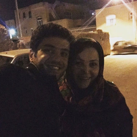 علی ضیا و مادرش