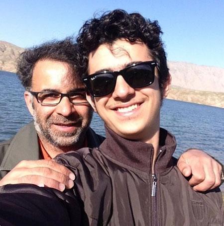 علی شادمان عزیز به همراه پدرش