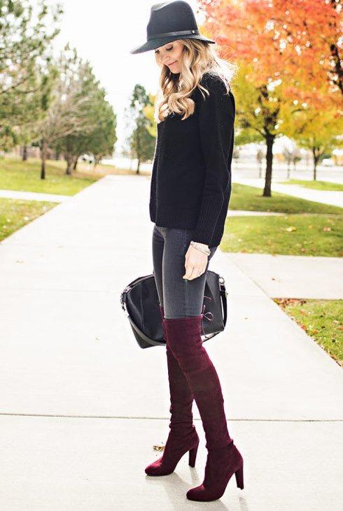 ست کردن لباس های پاییزی با ترکیب رنگ های زرشکی و طوسی