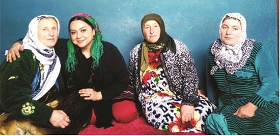 دختر جهانگرد ایرانی