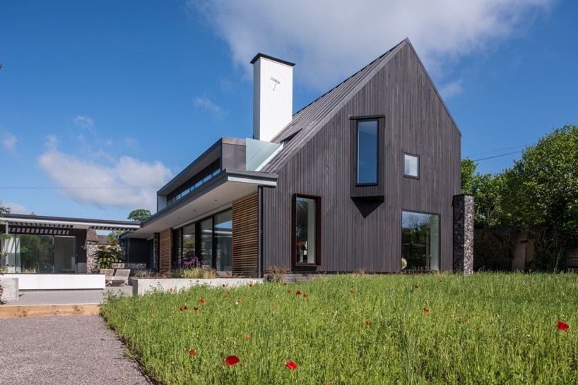 خانه دوستدار محیط زیست و ساخته شده از مواد سنتی در لندن + تصاویر