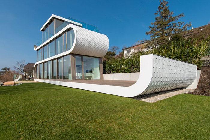 خانه لوکس با ظاهری جالب شبیه کشتی های آینده در سوئیس + تصاویر