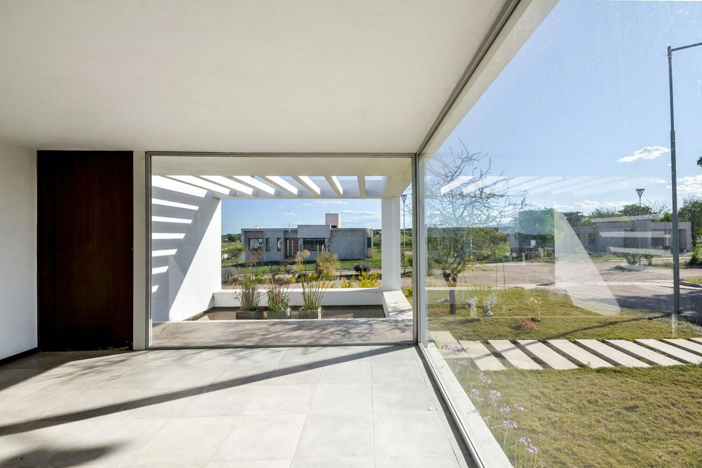 خانه کاربردی و مدرن برای زندگی خانوادگی در آرژانتین