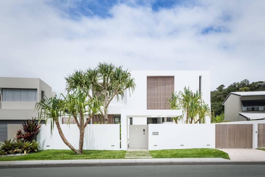 خانه جعبه ای سفید رنگ با دکوراسیون چوبی در استرالیا