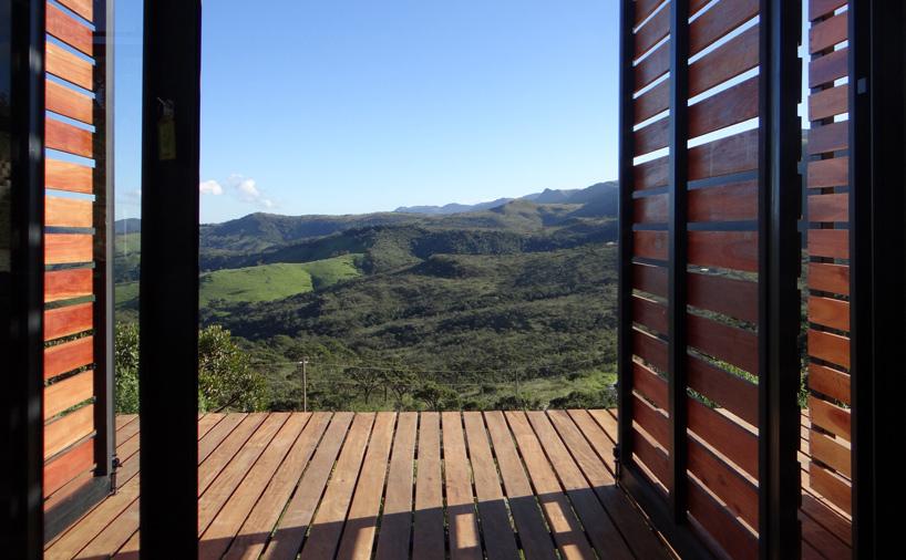 خانه بتنی مدرن و زیبا در میان اکوسیستم برزیل