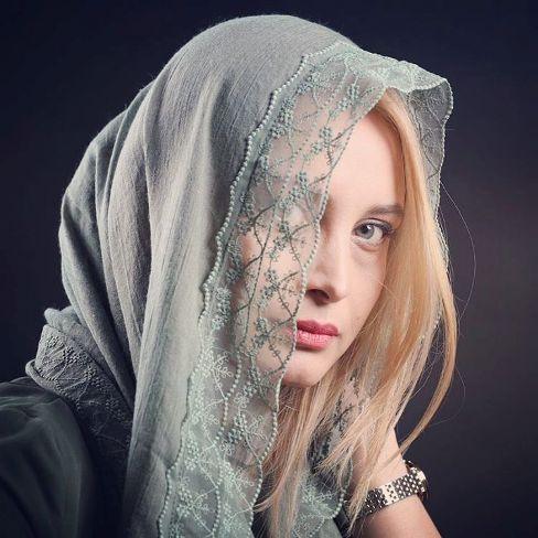 عکس های آتلیه ای مریم کاویانی به همراه دل نوشته ای کوتاه