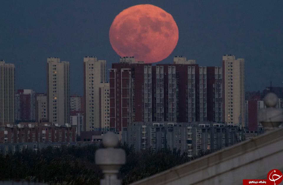 ابر ماه در پکن، چین