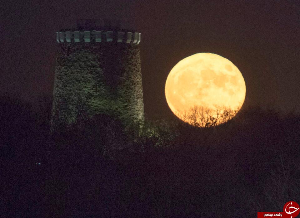 ابر ماه در مونترال، کانادا