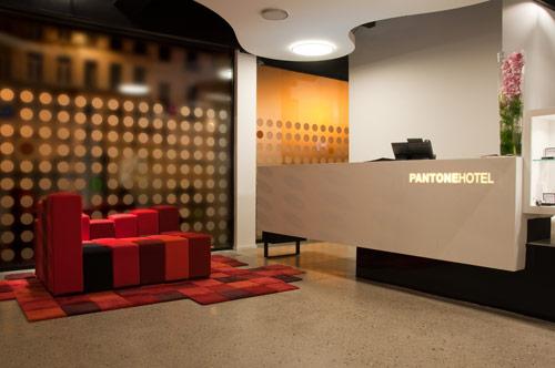 هتل پنتون در بلژیک با دکوراسیون پویا و شاد + تصاویر