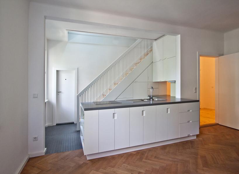 بازسازی خانه قدیمی و تبدیل به آپارتمان مدرن + تصاویر