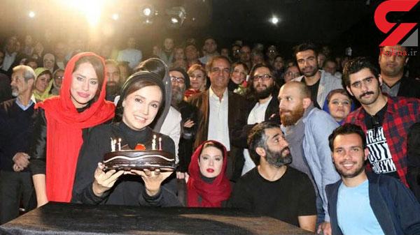 جشن تولد شبنم قلی خانی روی صحنه تئاتر و سوپرایز شدن او + تصاویر