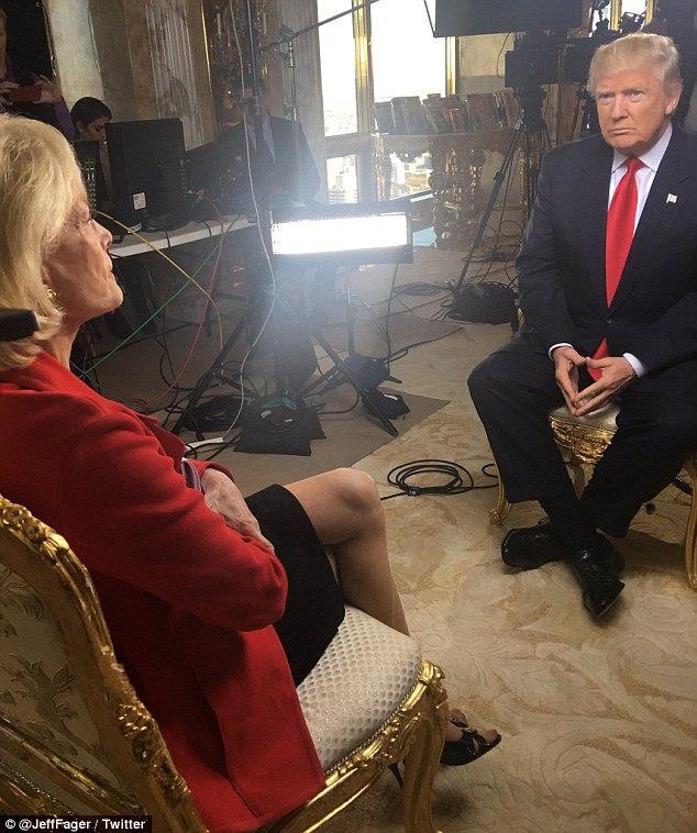 ترامپ به همراه نوه اش با رسانه ها مصاحبه کرد
