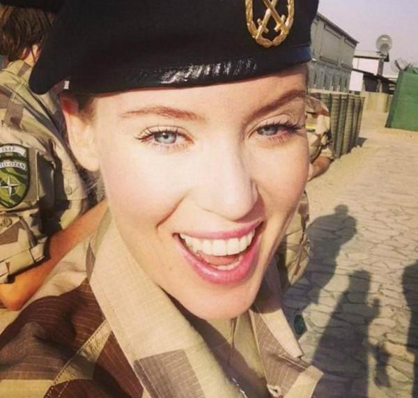 عکس دختران و زنان زیبای ارتشی در کشورهای مختلف جهان