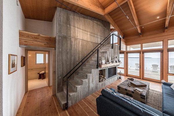 این خانه ساحلی بسیار زیبا و دلنشین است