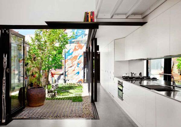 دکوراسیون رنگارنگ خانه ای در استرالیا بخشی مدرن و بخشی روستایی
