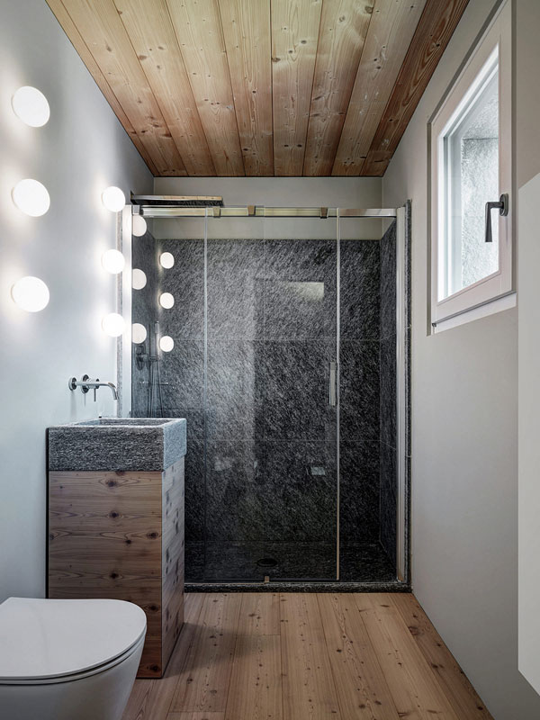 سنگ، چوب و شیشه: خانه ی اس وی در البوساجیا، ایتالیا