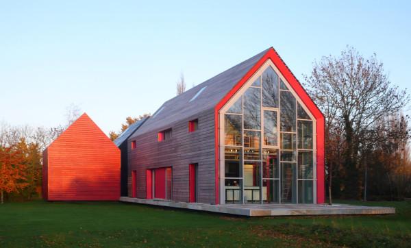 یک خانه عجیب با سقف کشویی، انگلیس