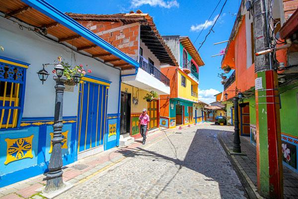عکس های جسیکا دونانی از شهر رنگارنگ در کلمبیا