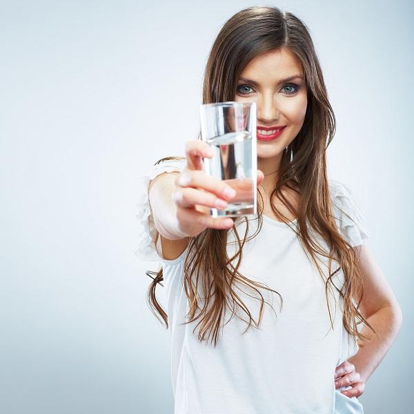 خواص و فواید نوشیدن آب