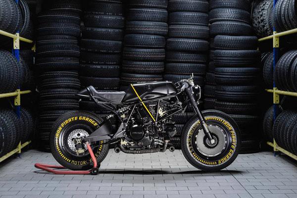 موتورسیکلت ایتالیایی ، با ظاهر ترکیبی جنگنده و مسابقه ای