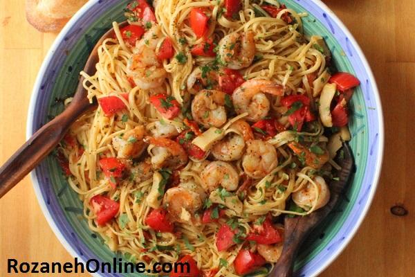 به این روش اسپاگتی را با میگو و کنگر فرنگی درست کنید
