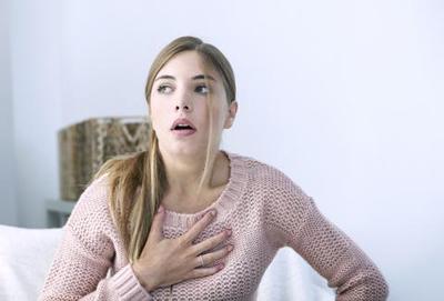 خطر گردگیری منزل برای افراد مبتلا به آسم