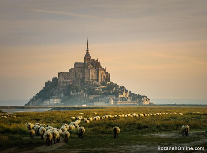 عکس قلعه های مرموز و باشکوه جهان + معرفی