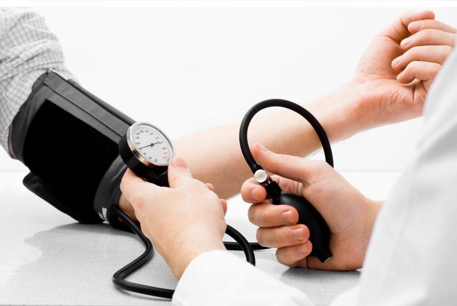 مواردی که افراد دارای فشار خون و دیابت در عید نوروز باید رعایت کنند
