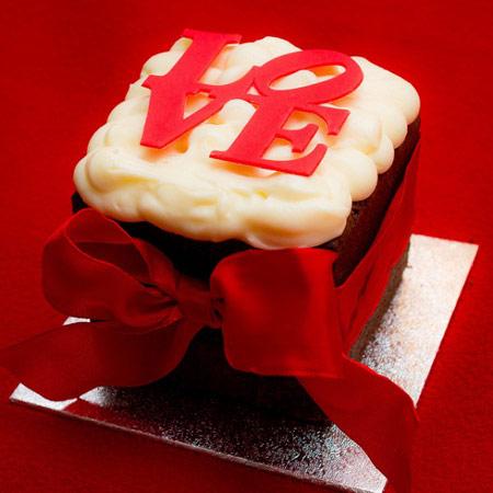 کیک و شیرینی ولنتاین و تزیین آن