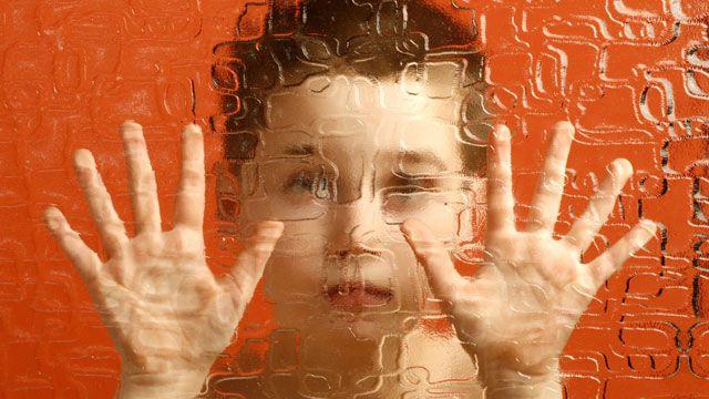 با تست شنوایی به تشخیص اوتیسم کمک کنید