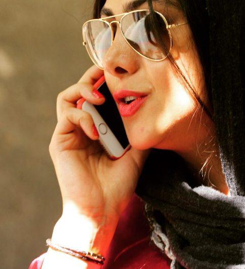 کنار گذاشتن تلفن همراه در حضور همسرمان