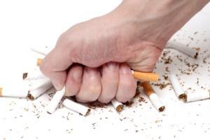 جنیفر آنیستون تا پُل راد مشاهیر ترک سیگار