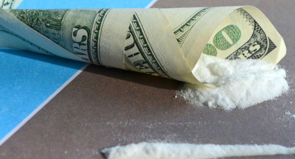 چگونه با معتادان هروئینی برخورد کنیم؟چگونه با معتادان هروئینی برخورد کنیم؟