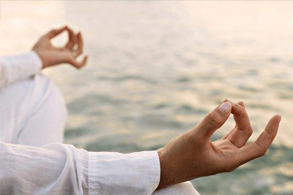 تاثیر یوگا و مدیتیشن در عدم مبتلا شدن به آلزایمر
