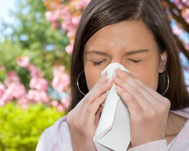 علت افزایش آلرژی ها در فصل پاییز چیست؟