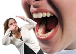 چگونه متوجه شویم دهانمان بوی بد می دهد؟