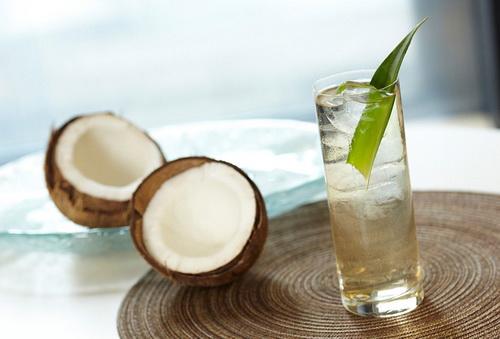 درمان سرطان و سنگ کلیه با آب نارگیل