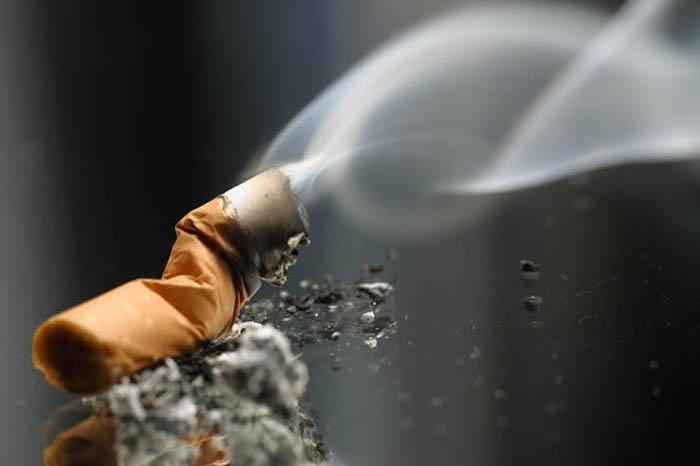 تاثیر دود سیگار بر پوسیدگی دندان کودکان
