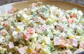 آموزش پخت ناهار کم کالری سالاد عدس گرم با سیب و سوسیس