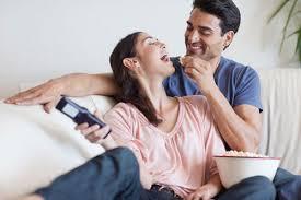 از شیوههای عشقورزی غیر کلامی چه میدانید؟