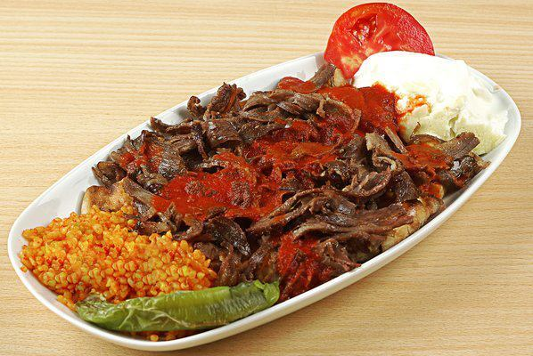 طرز تهیه اسکندر کباب ترکی یک کباب سنتی معروف