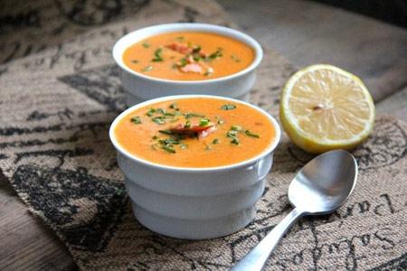 طرز تهیه سوپ سالمون غذایی ویژه سرما خوردگی