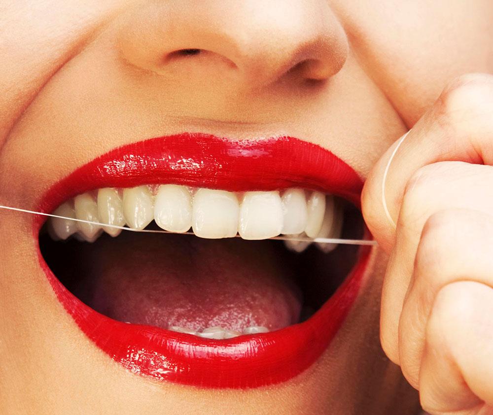 تاثیر نخ دندان برای دندان های حساس