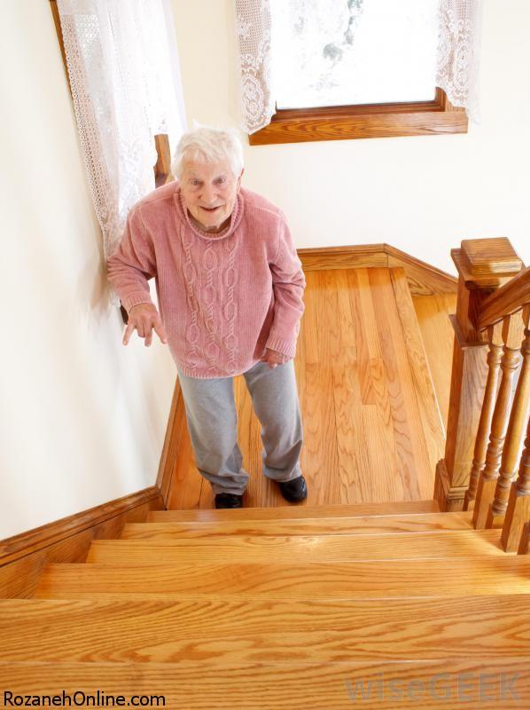 اهمیت پله نوردی برای افراد سالمند