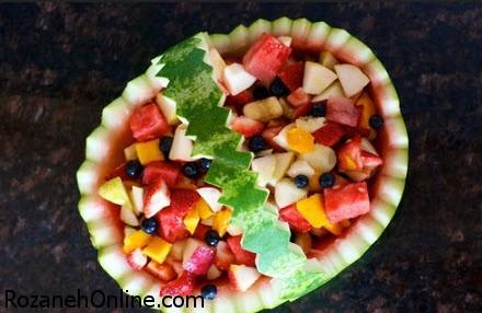 تزئین هندوانه شب یلدا به شکل سبد میوه