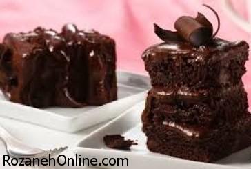 دستور پخت کیک شکلاتی بدون فر و یخچال همراه با شیرین عسل
